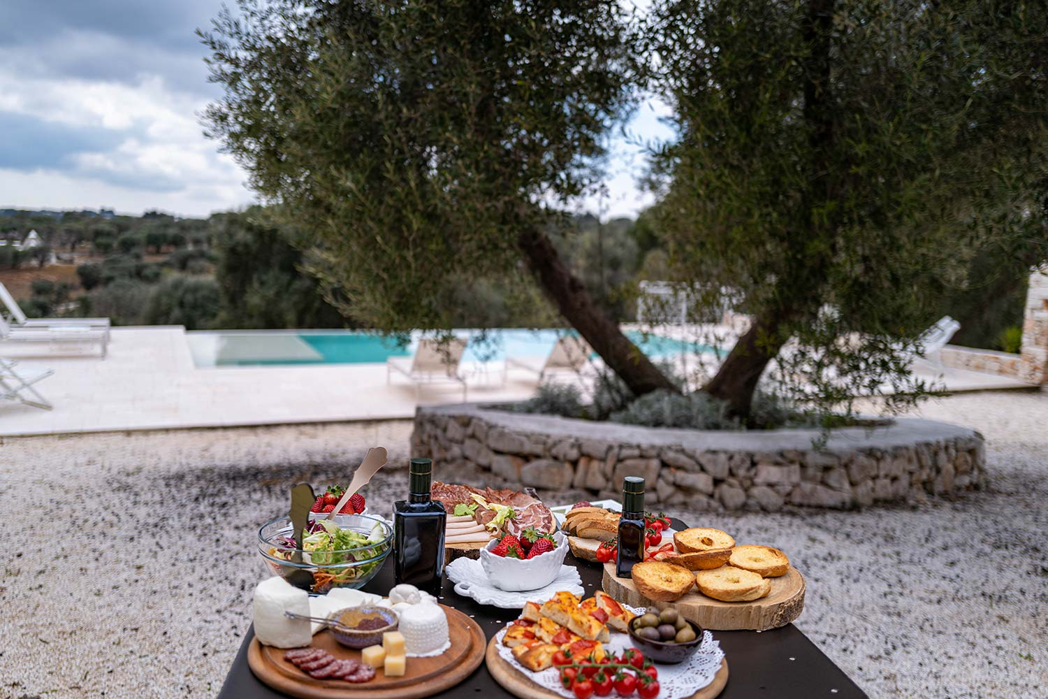 anniversaries, private parties, events and business meetings in our trulli